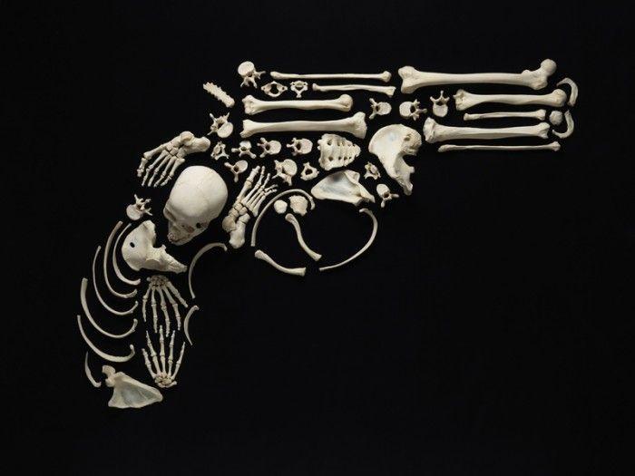 Arte com ossos humanos