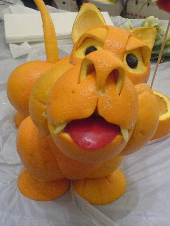 Esculturas com frutas 05