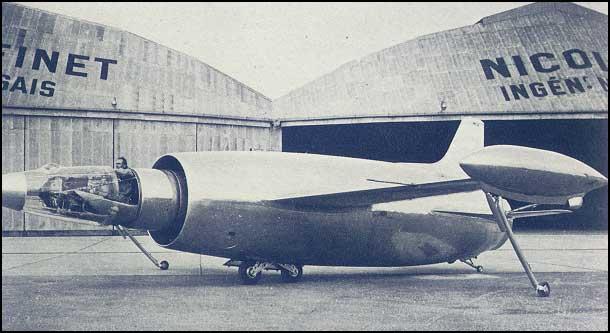 Avião estranho 06