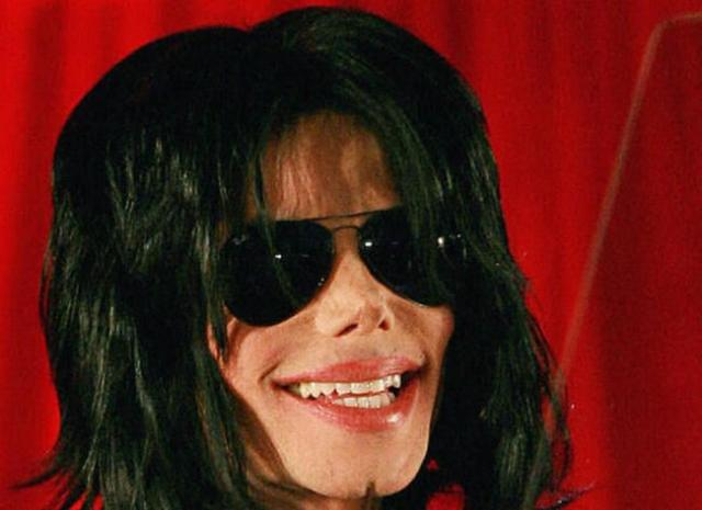 O rosto de Michael em detalhes