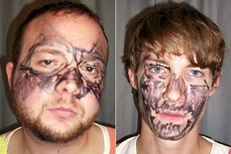 Ladrões pintam o rosto com marcador para ir roubar