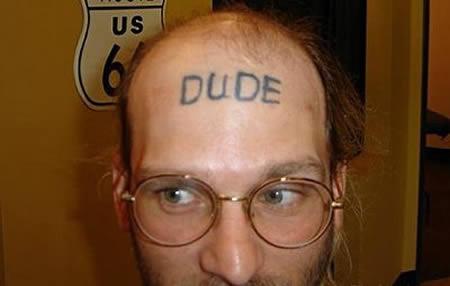 As dez tatuagens mais ridículas na testa