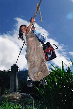 Tirolesa para ir a escola
