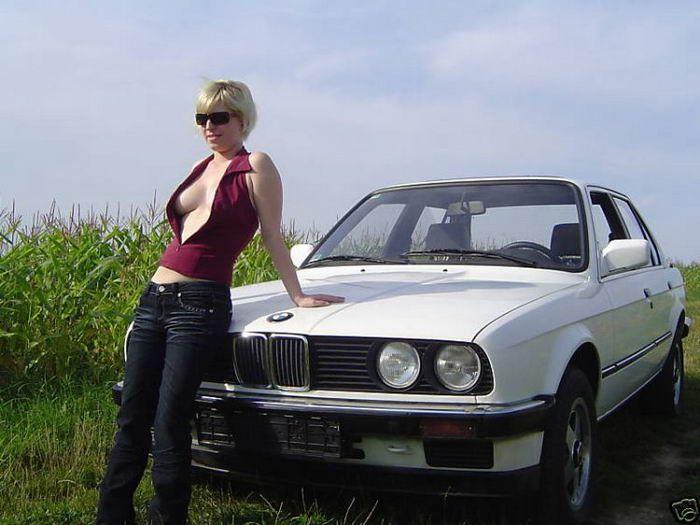 Vendendo o velho carro com uma ajudinha da namorada 06