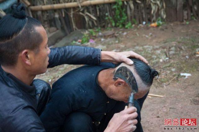Corte de cabelo à foice  09