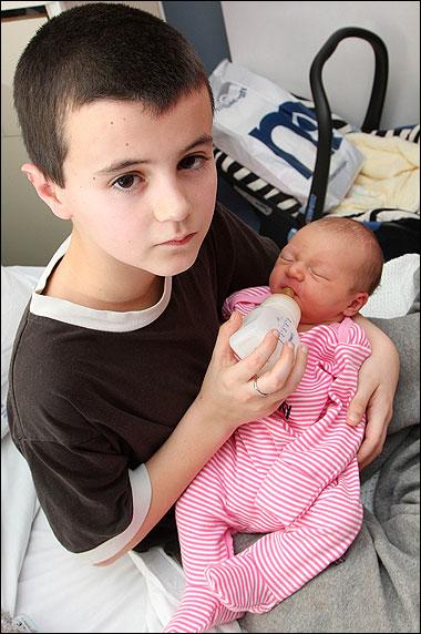 Garoto de 13 anos poderia não ser o pai da bebê