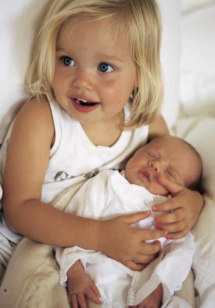 Gemeos de Jolie e Pitt, a foto mais cara do mundo