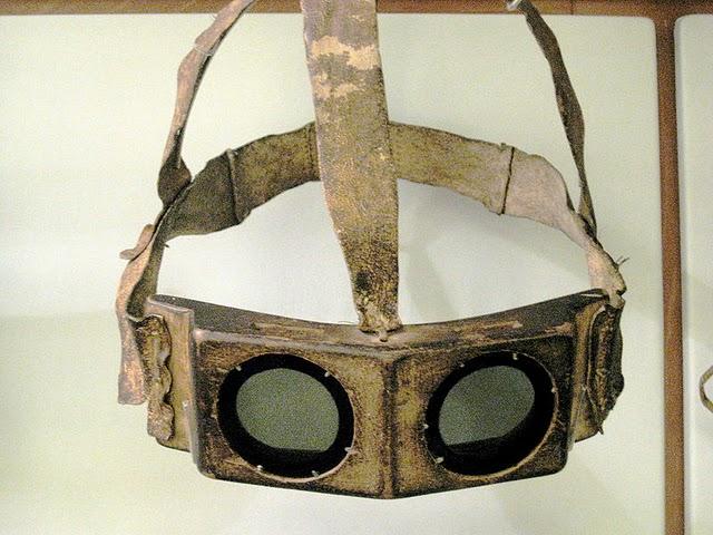 Os primeiros óculos de sol