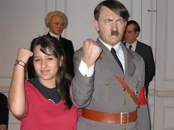 Estátua de Hitler em cera é decapitada em Berlim