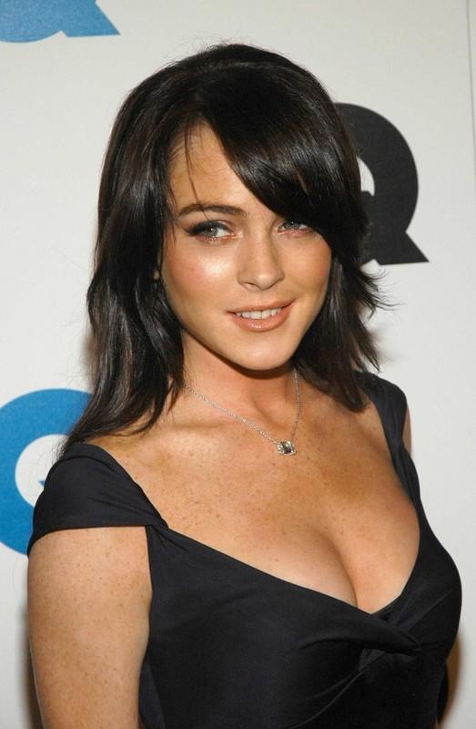 Lindsay Lohan, 23 com corpinho de 50. Uhull!
