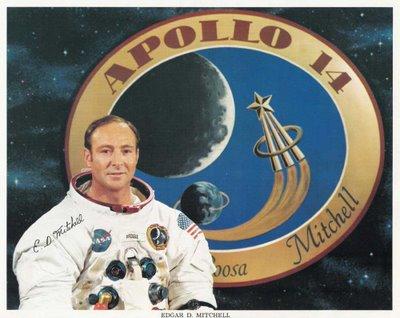 Astronauta afirma que NASA já contatou ETs