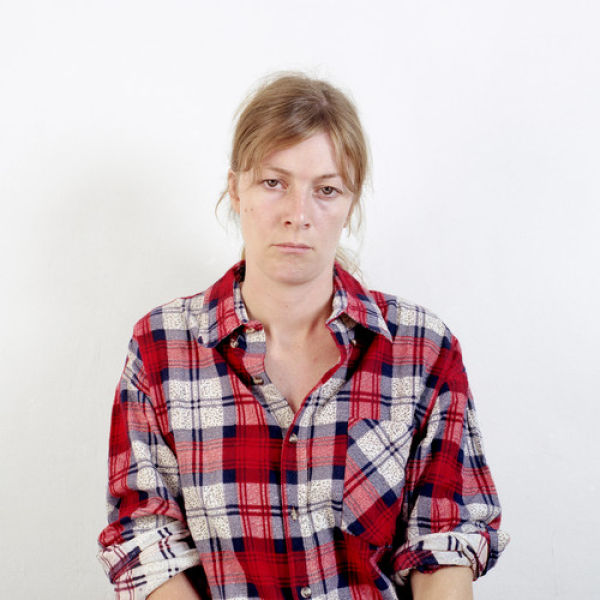 Uma mulher difrente em cada foto