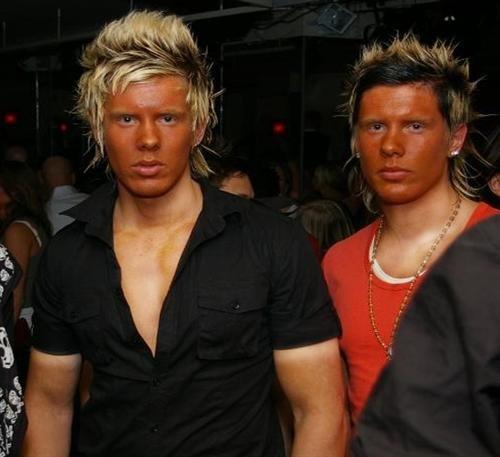 Ridículos bronzeados faciais