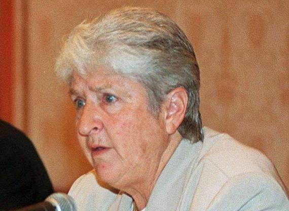 Vovó australiana de 71 anos nocauteia ladrão com chute no saco