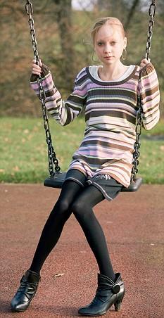Peter Pan de saias - Ela tem 23 anos, mas parece ter 12
