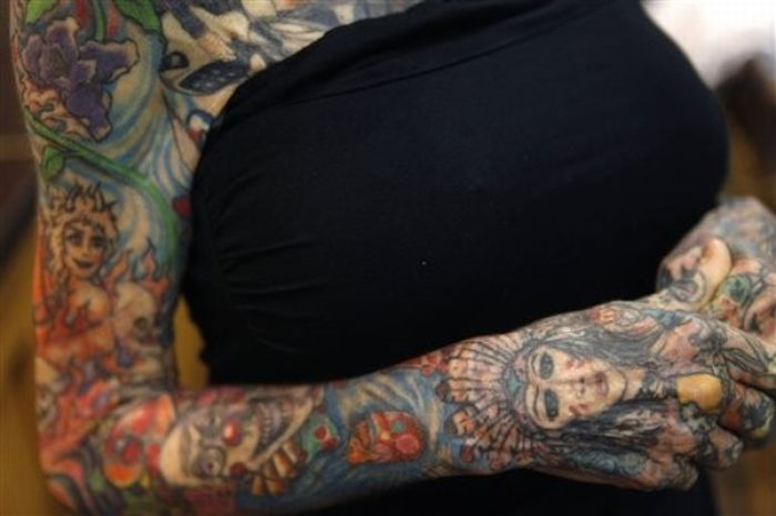 Mulher mais tatuada do mundo