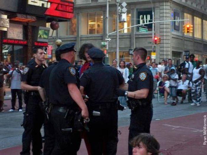 Batman e super homem contra a polícia