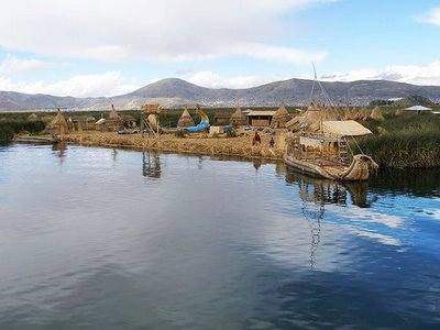 As Ilhas flutuantes do Titicaca