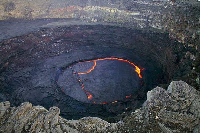 Maravilhas do mundo - Lago de lava na Etiópia