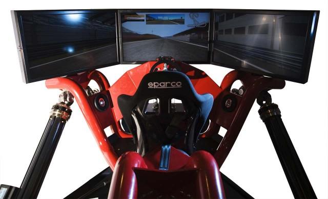 Cruden Hexatech: O simulador de corridas dos sonhos