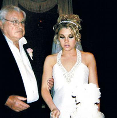 ela pediu o divorcio..por excesso de sexo