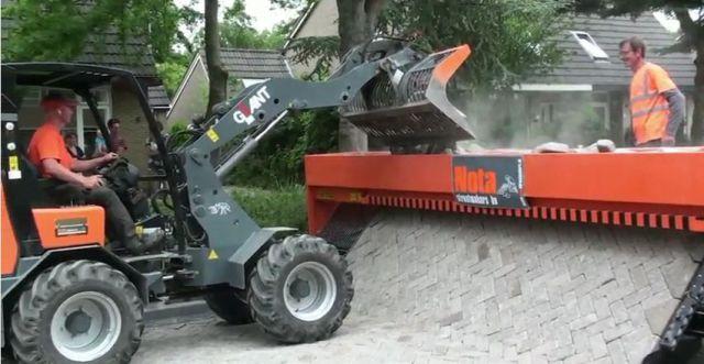 Super-máquina para assentar paralelepípedos 09