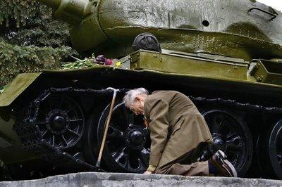 O velho soldado e seu tanque
